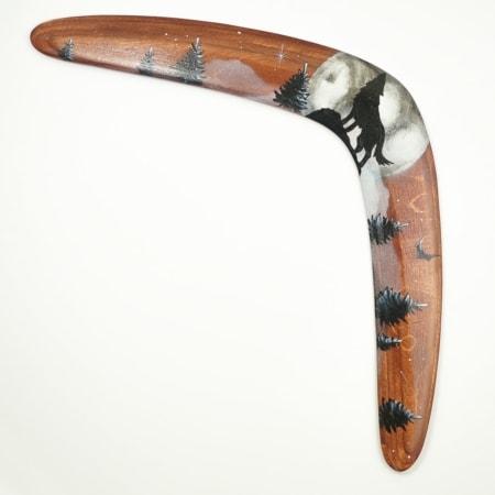 Bumerangas Vilkas, medinė dovana jam