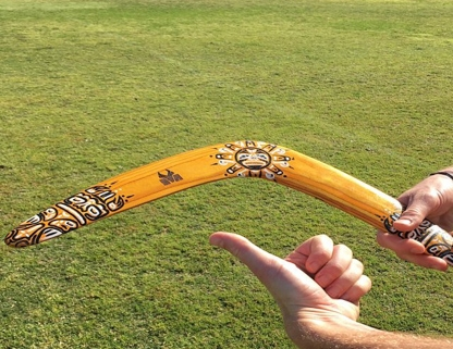 Graviravimas Vilniuje, bumerangas, dovana bosui boso dienos proga, medinės dovanos vadovui