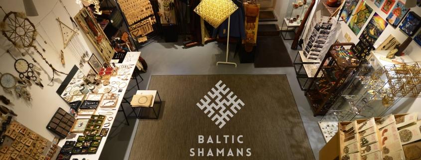 bumerangai Baltic shamans krautuvėlėje, dovanos suvenyrai užpyje, Vilniuje